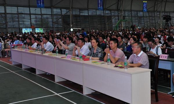 成都医学院三学院联合举办2017年毕业晚会
