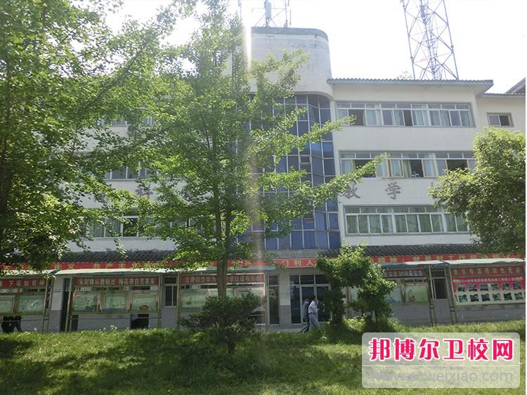 四川育英医养科技技工学校周边环境