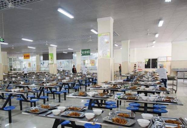 泸州中等卫生职业学校食堂情况