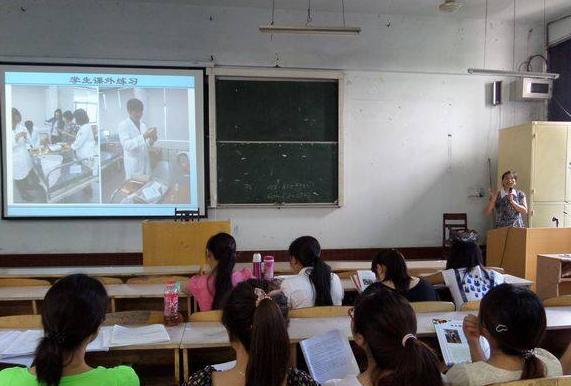 四川省乐山卫生学校招生办联系电话