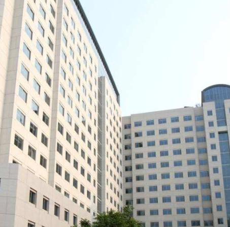 四川省甘孜卫生学校招生办联系电话