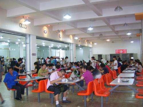 桂林市卫生学校食堂情况