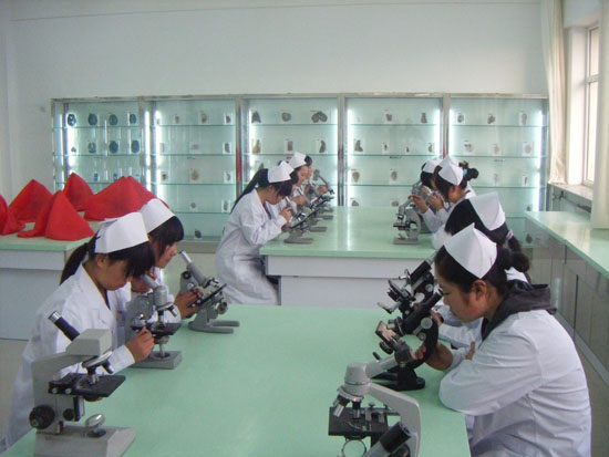 赤峰卫生学校2019年报名条件、招生对象
