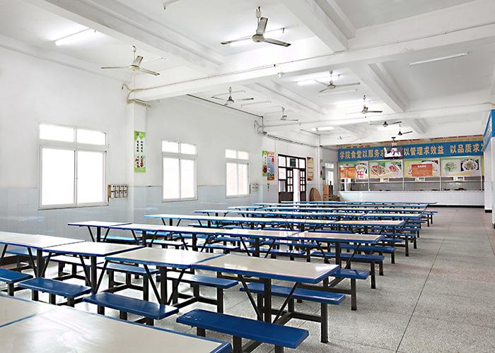 重庆市南丁卫生学校食堂情况