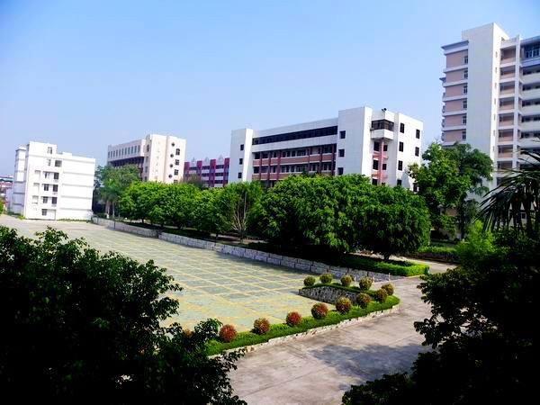 嘉应学院医学院学校是几本