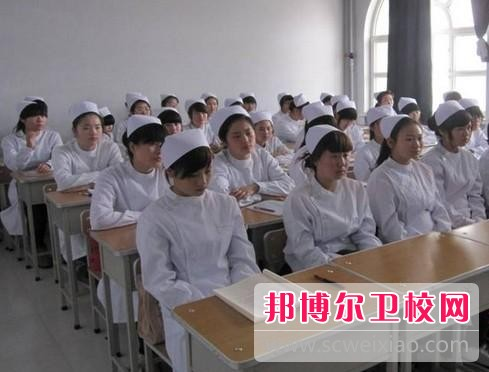 四川初中毕业可以去吗