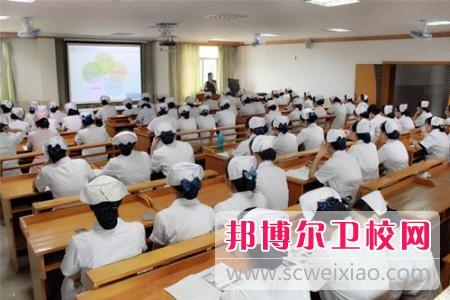 贵州初中生读卫校好吗