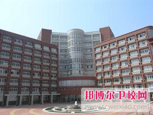 广州初中读卫校可以当护士吗