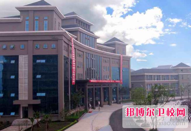 重庆2020年初中生读卫校好吗