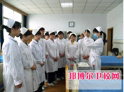 重庆2021年怎么读卫校