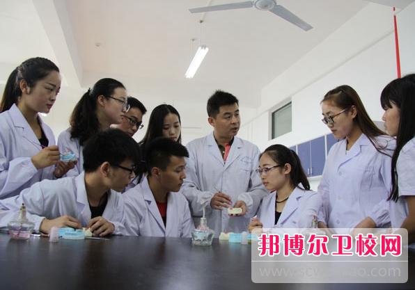 重庆沙坪坝区2021年卫校什么专业适合女生