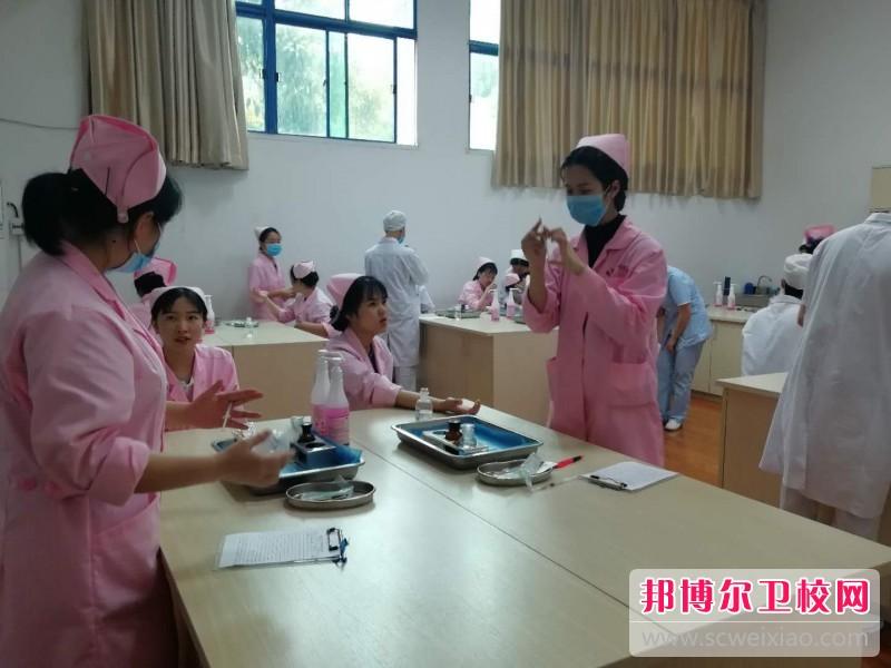 重庆沙坪坝区2021年读卫校有没有用