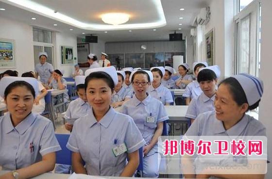 广州2020年女生学卫校好吗