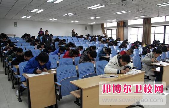 广州2020年中专卫校可以考大专吗