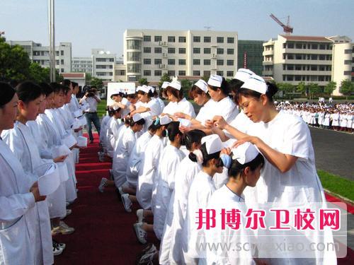 德阳2021年女生学卫校有前途吗