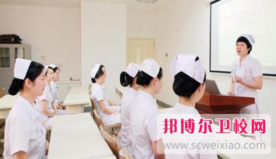 温州2021年女生学卫校有前途吗