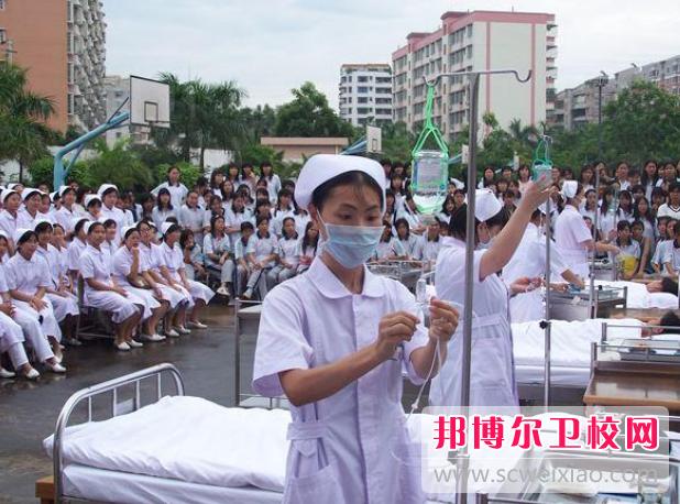 陕西2022年中专学卫校有前途吗